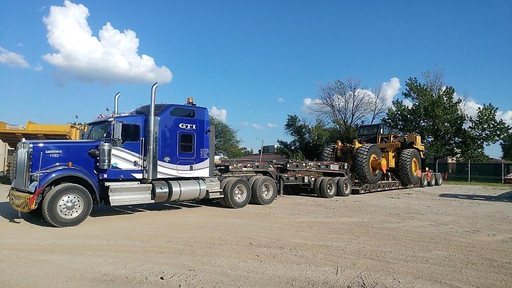 CAT 773 mining excavator transport
